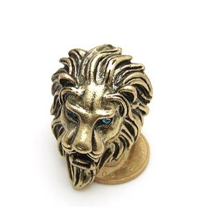 NWOT Lion head ring